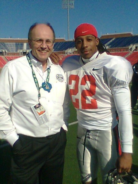 Cotton Bowl's Charlie Fiss, left, and Dexter McCluster
